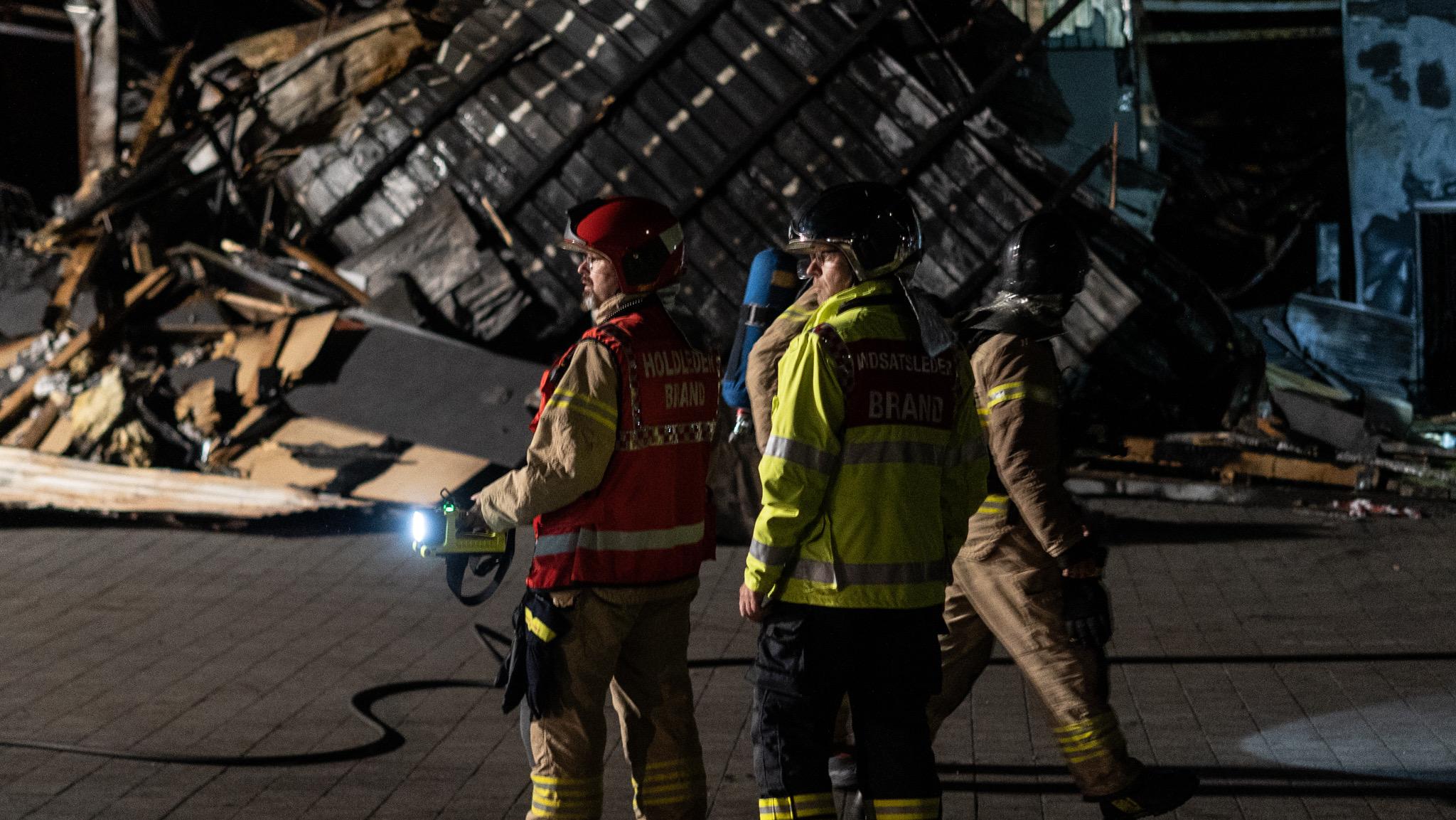Brandvæsnet til stede ved efterslukning af brand - Sønderborg