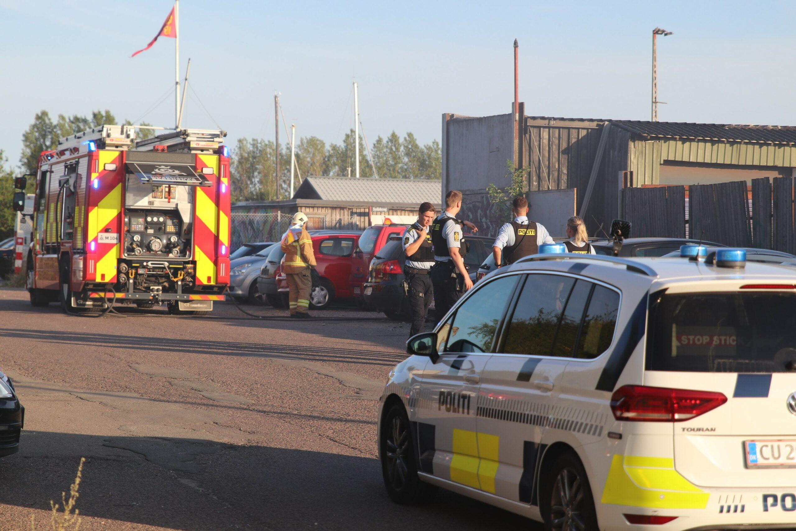 Brand i bil i København - flere patruljer på stedet