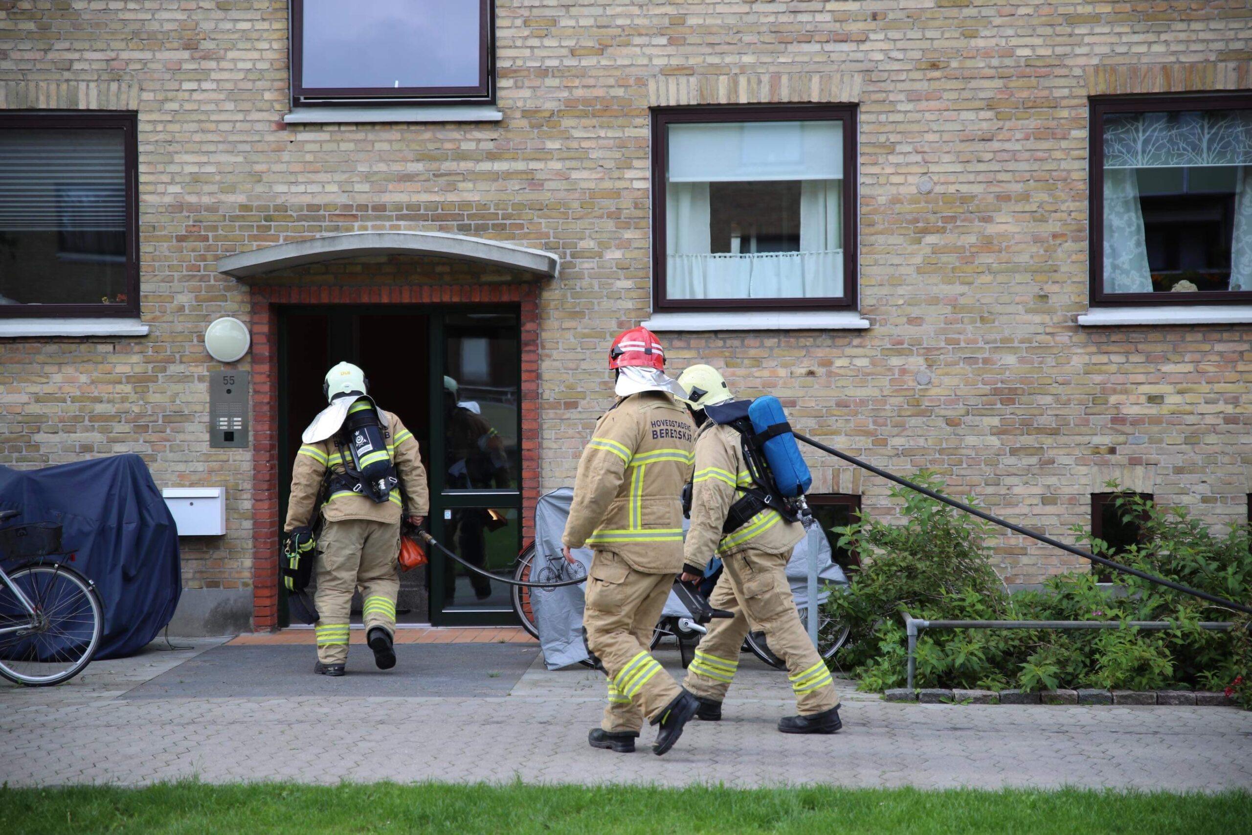 Brand i lejlighed i Brøndby - redning er fremme