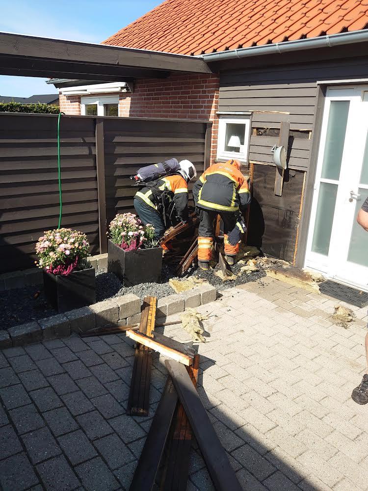 Ild i villa efter brug af ukrudtsbrænder
