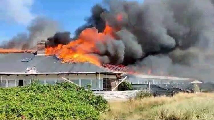 Voldsomme flammer - kæmpe brand