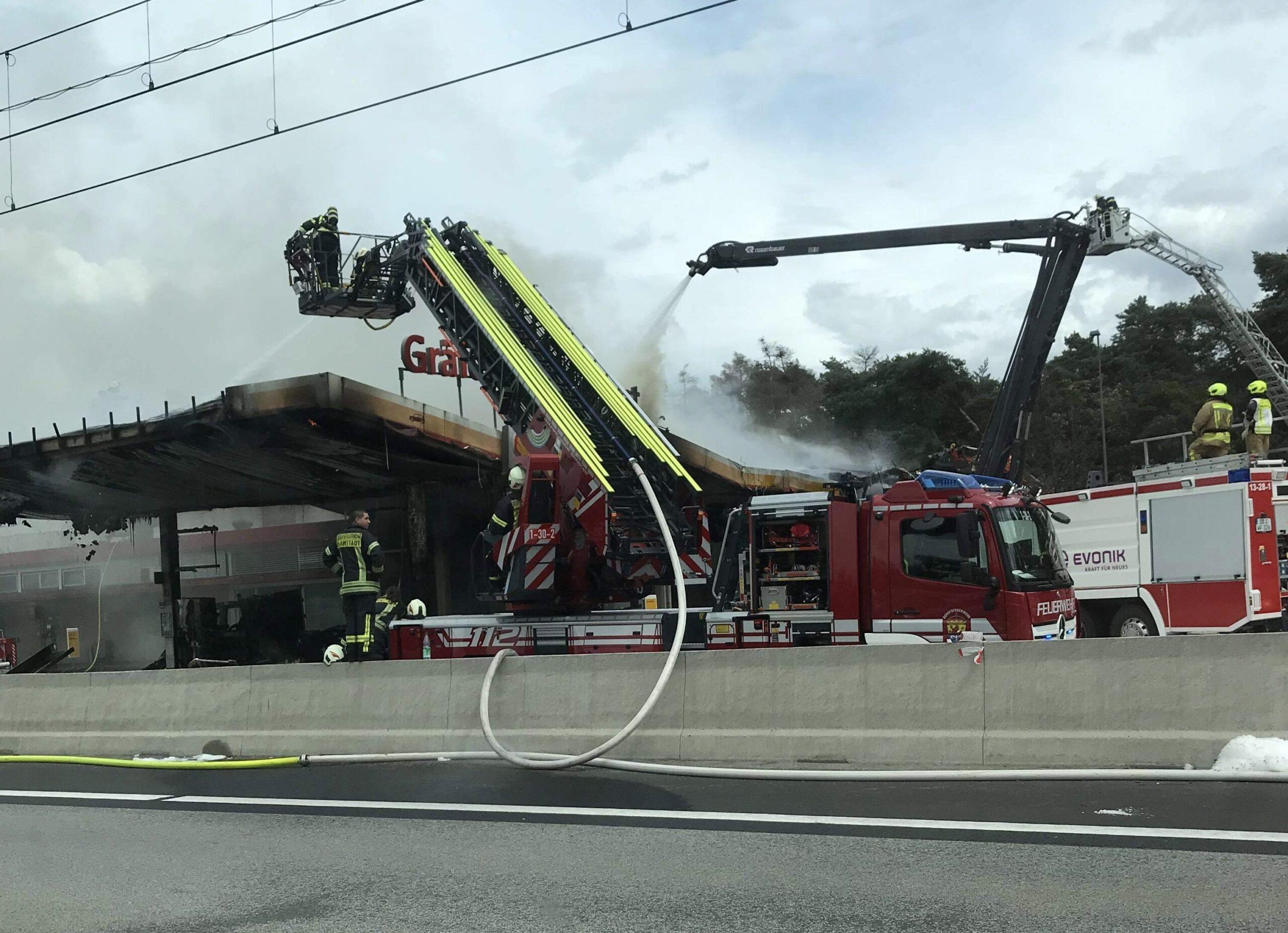 Tankstation udbrændt i Tyskland