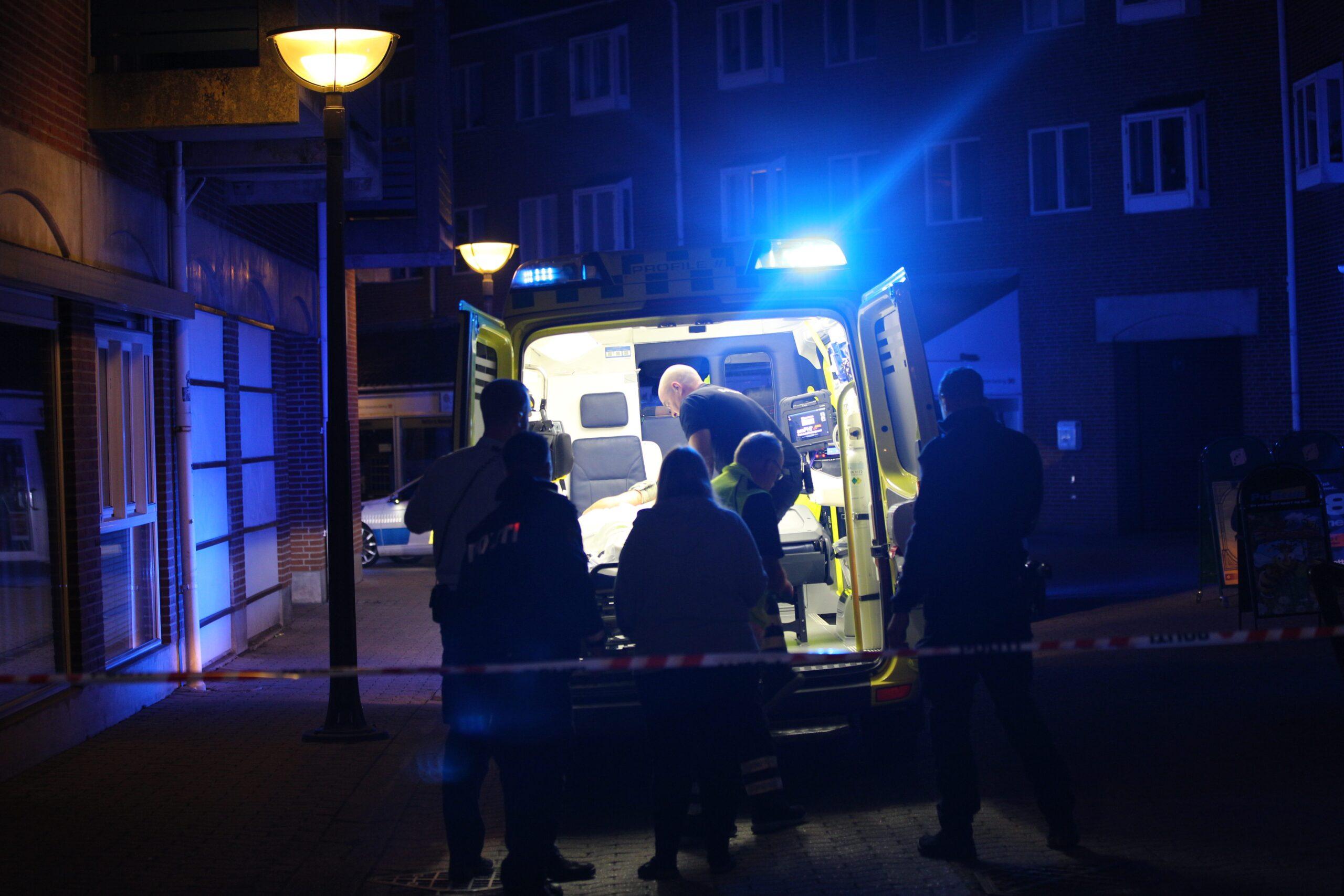 Muligt knivstikkeri i Vejle - politiet er massivt på plads
