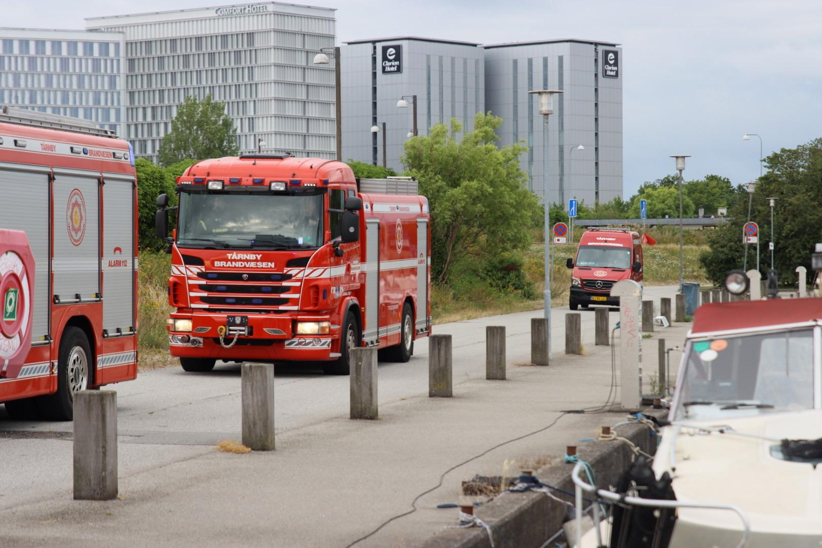 Bådsbrand i Kastrup - båd afgiver voldsom røg