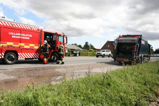 Ild i skraldebil i Nykøbing Falster
