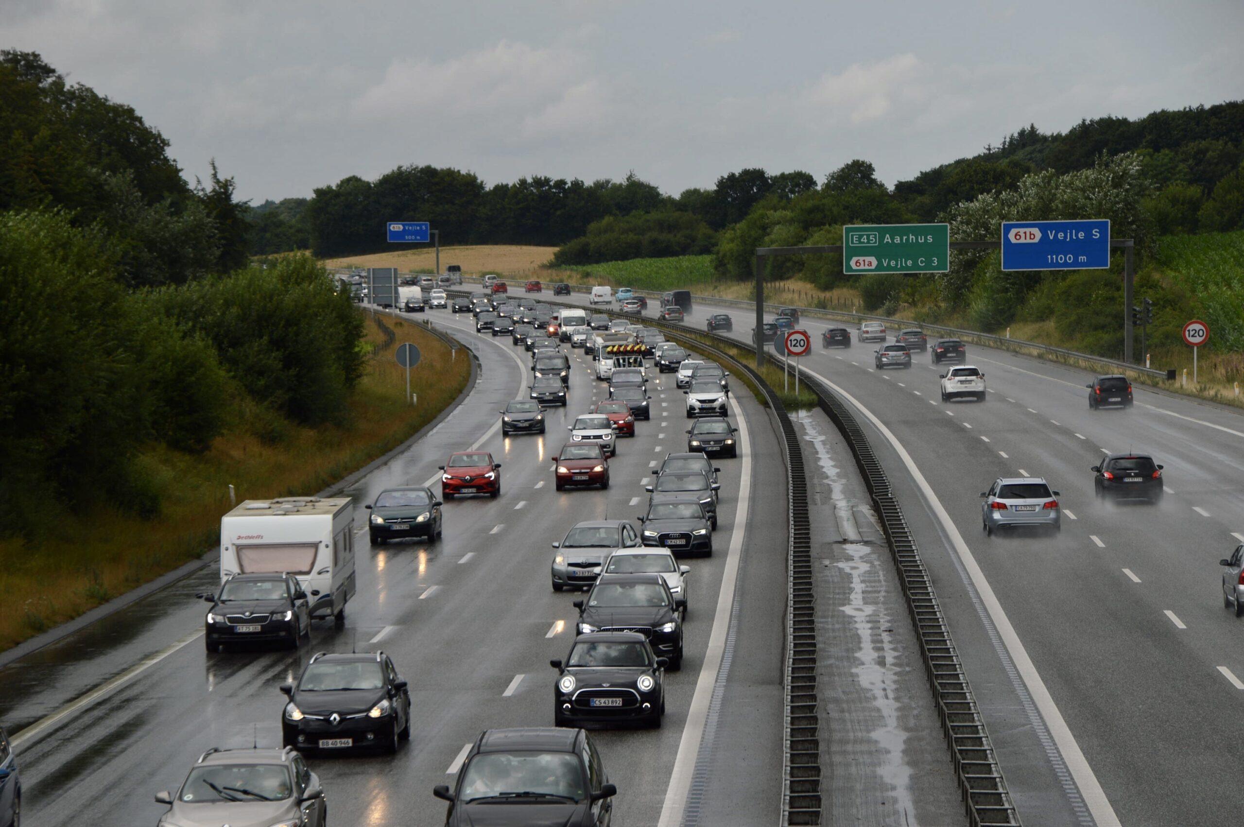 Større kø på sønderjyskemotorvej efter uheld