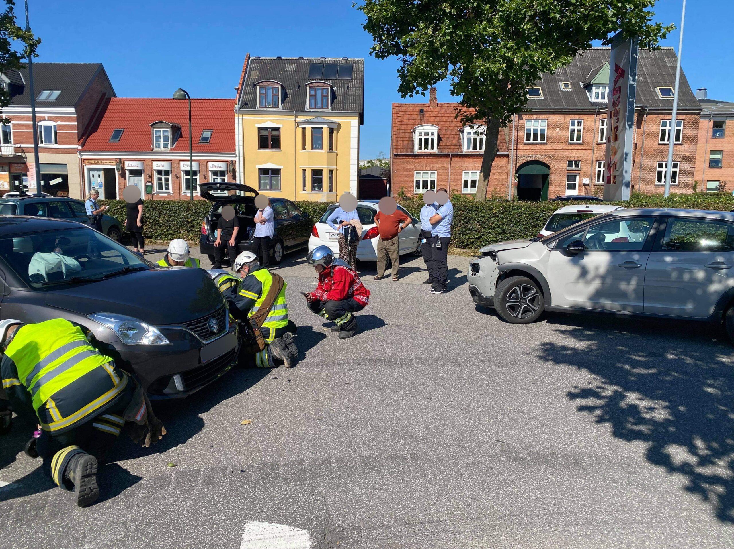 To biler kørt frontalt sammen i Næstved