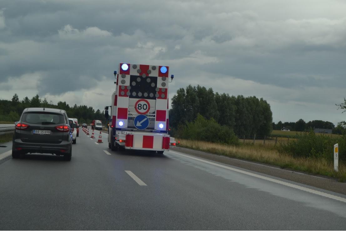 Længere kø på motorvej - uheld på vejen