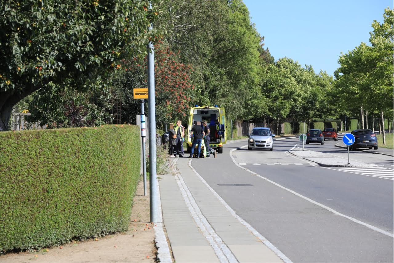 To cyklister kørt sammen i Rønne - Barn kørt på sygehuset