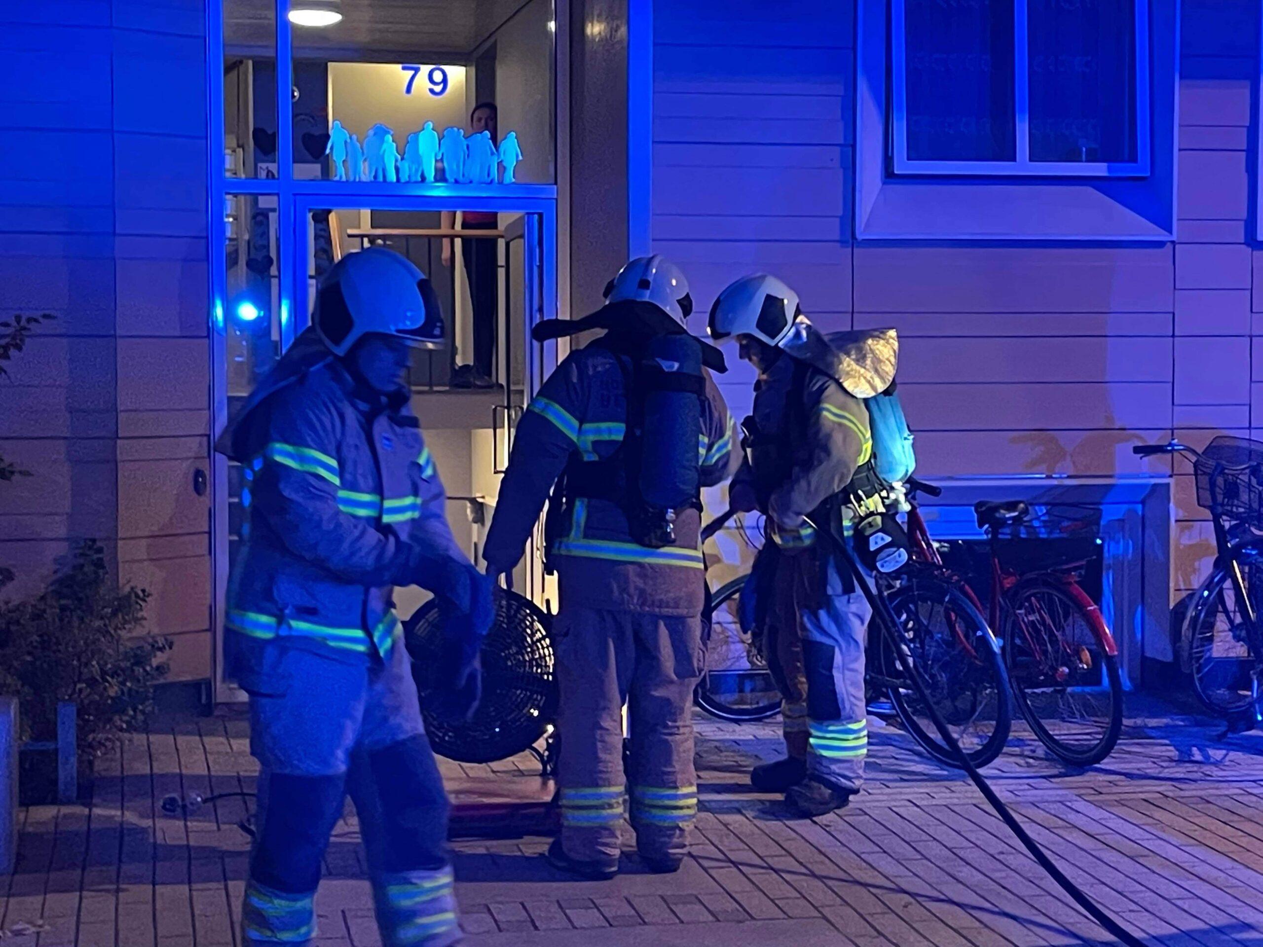 Brandvæsnet fremme ved lejlighedsbrand i København
