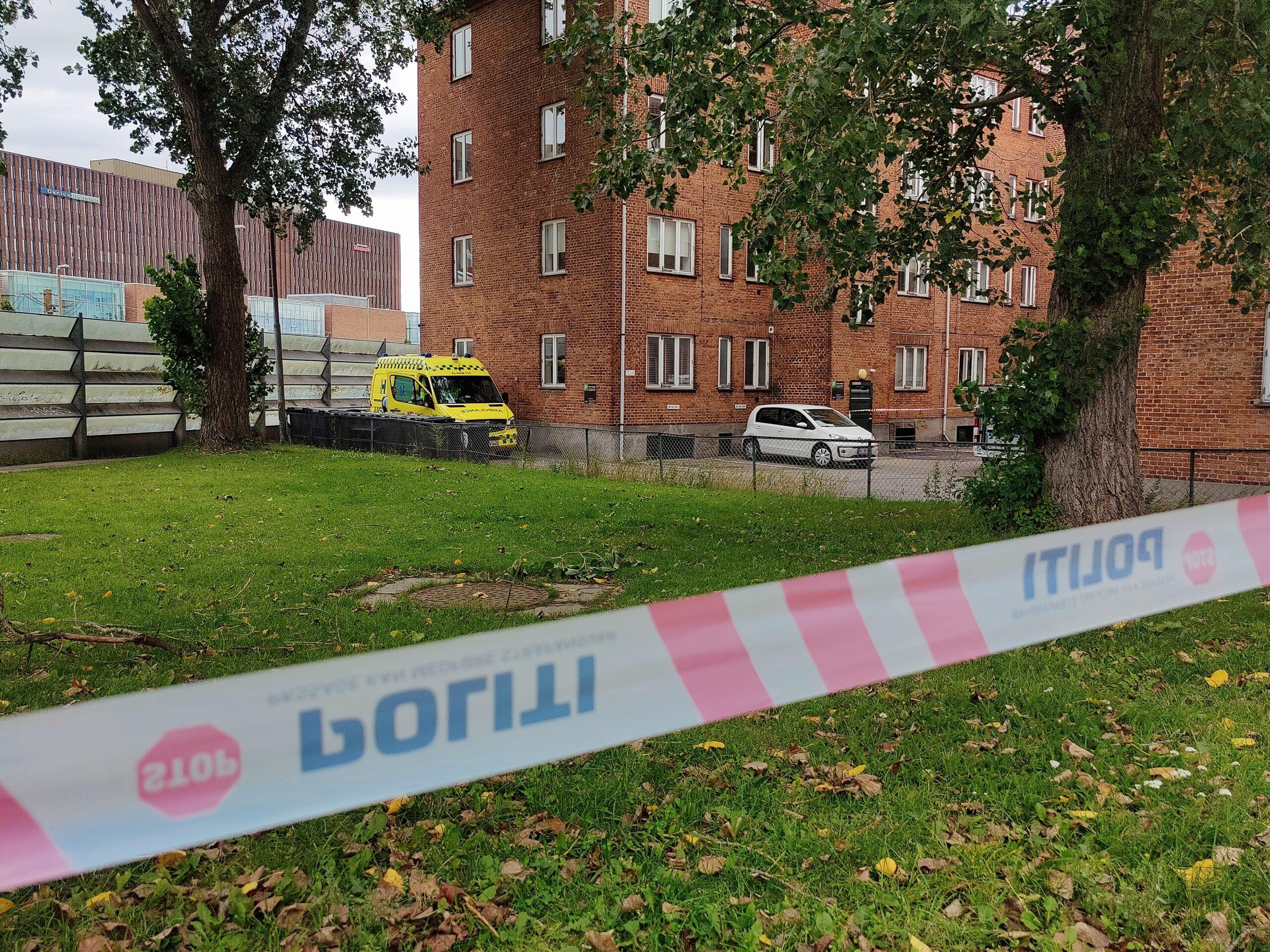 Mistænkeligt forhold i Lyngby - politi og teknikere til stede
