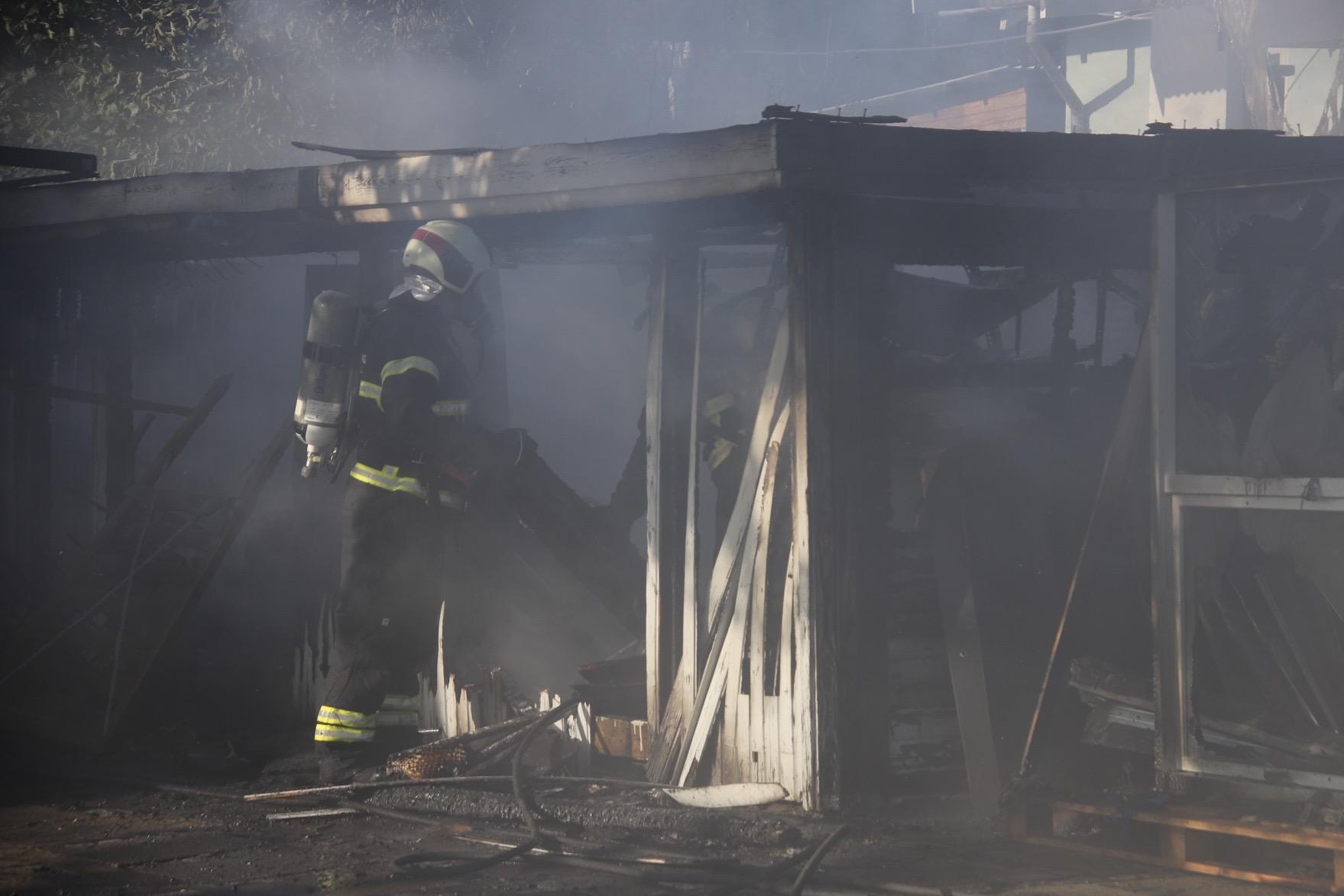 Melding om brand i villa - skur udbrændt