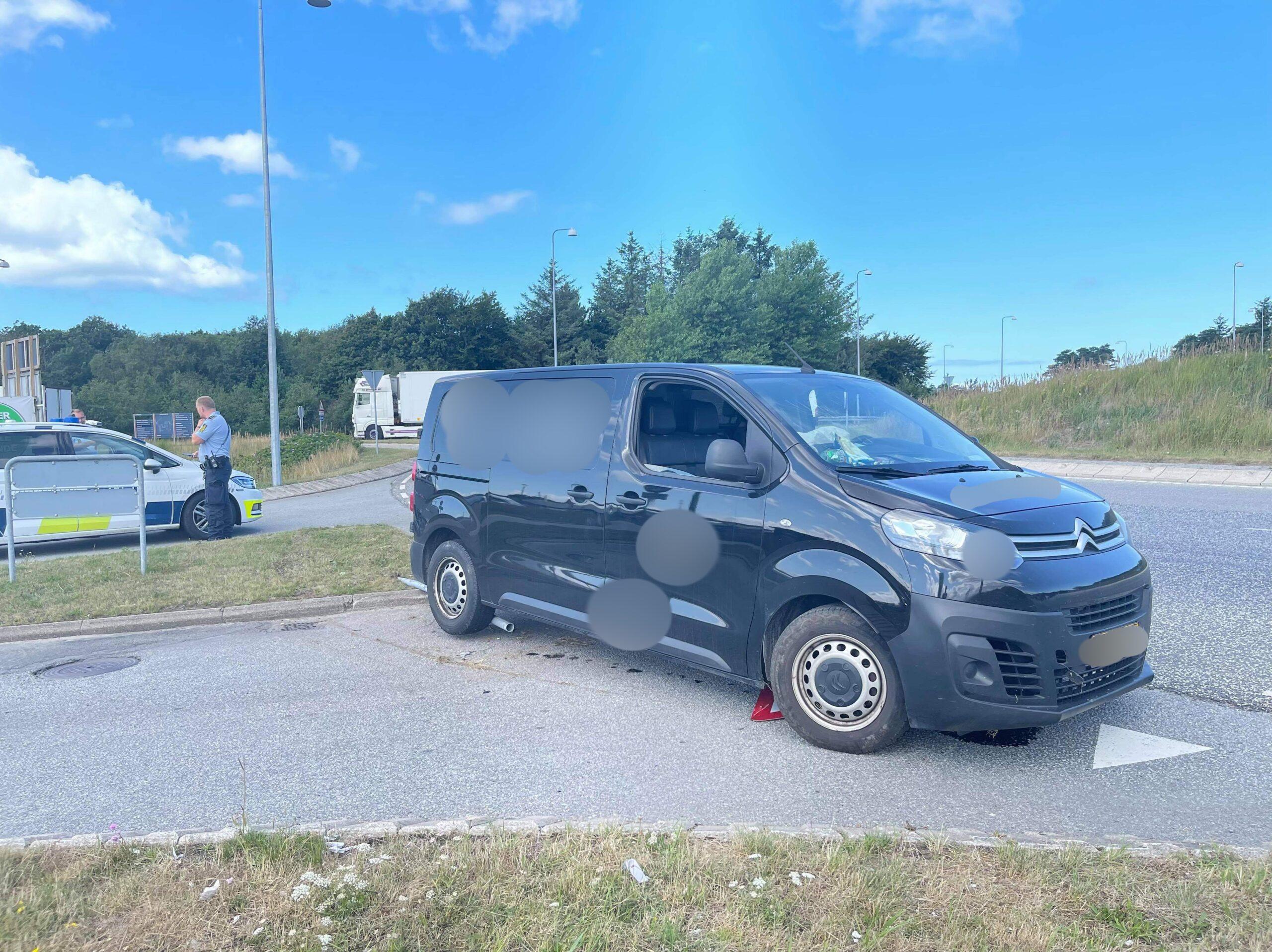 Fører anholdt efter ulykke med varevogn  i Hirtshals