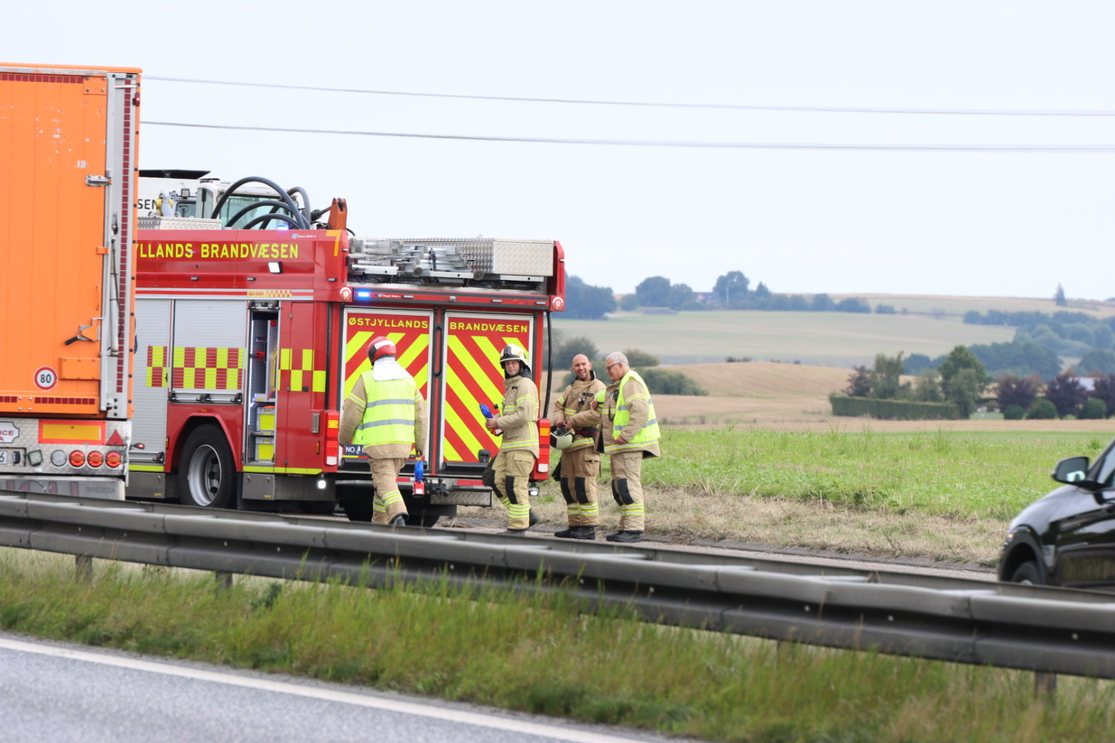 Ild i lastbil skaber større kø på motorvej