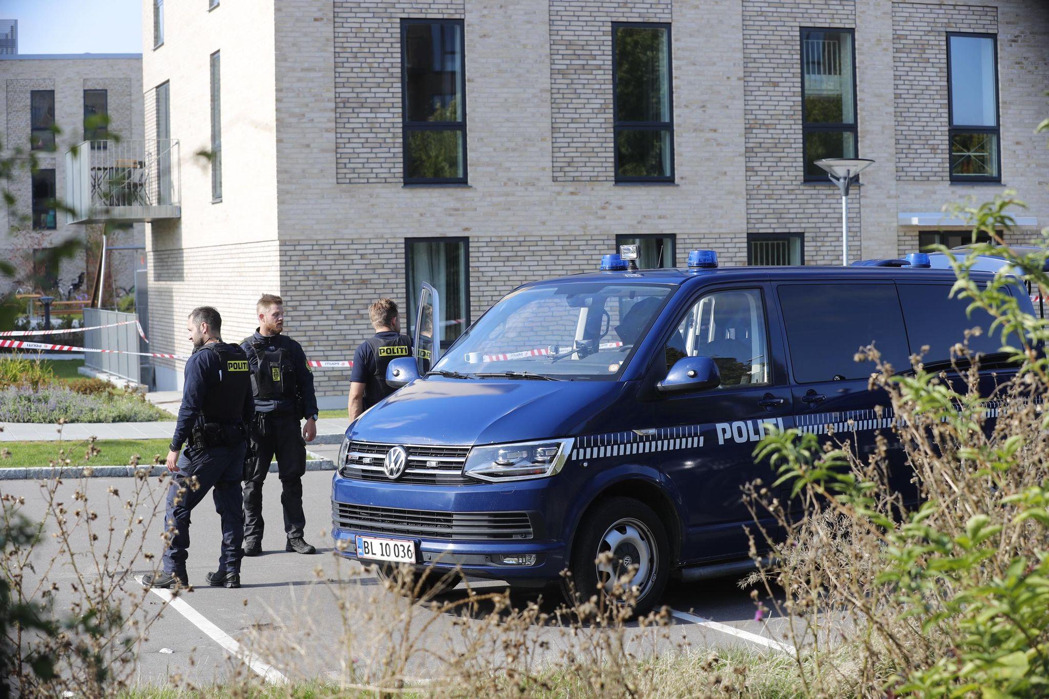 Knivstikkeri i Taastrup - politi massivt til stede ved boligområde