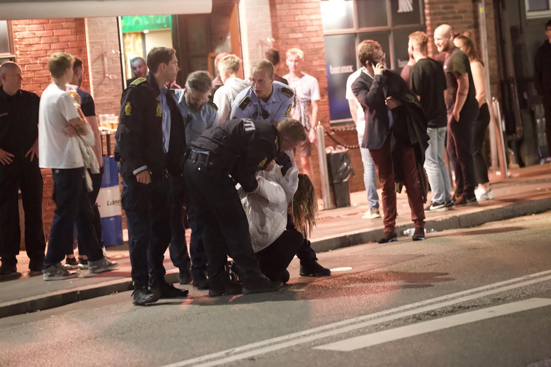 Politiet talstærkt til stede - flere unge anholdt i Vejles natteliv