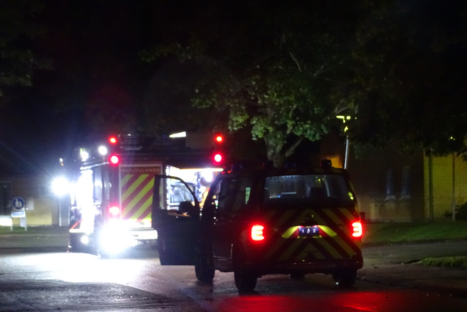 Mindre brand i ældre bolig - beboer og hund evakueret