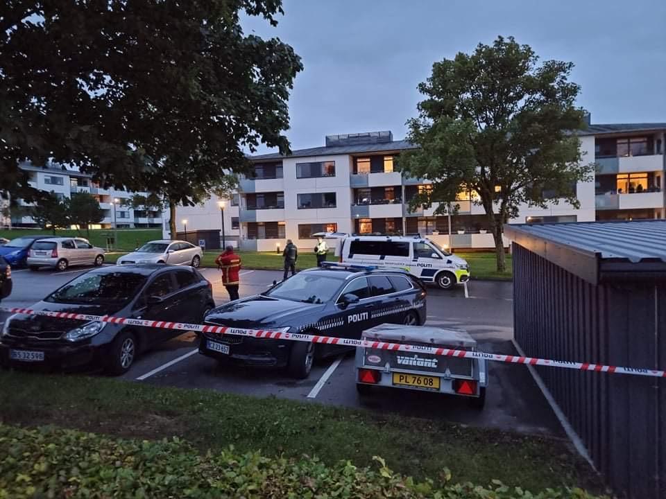 Lige nu: Kvinde skudt i Aalborg - politiet massivt til stede