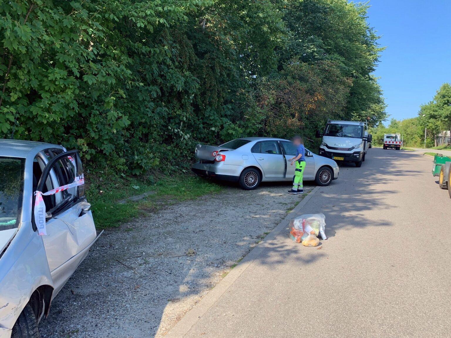 Biluheld: Kvinde kørte ind i tre biler i Helsingør - hvorfor vides ikke