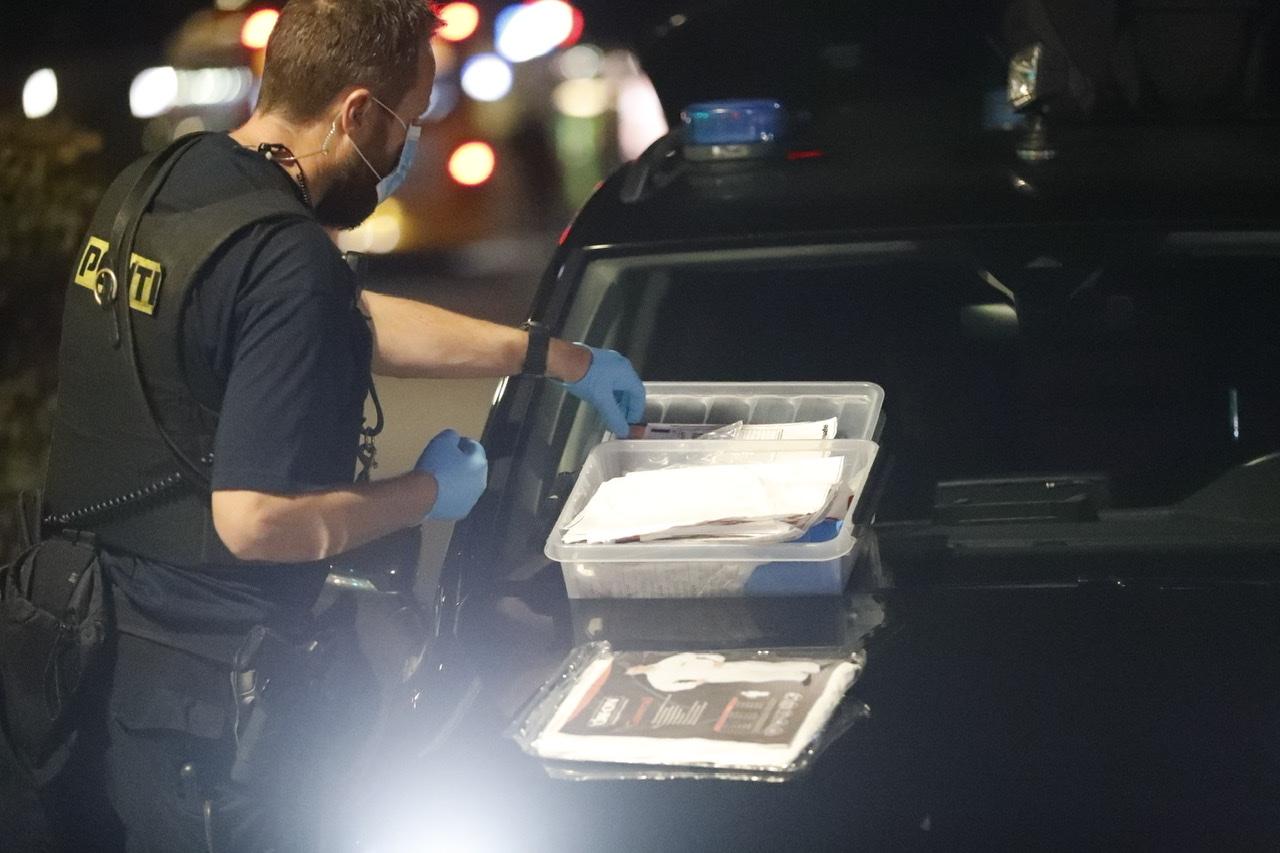 Politiaktion i Glostrup - politiet sikrer spor