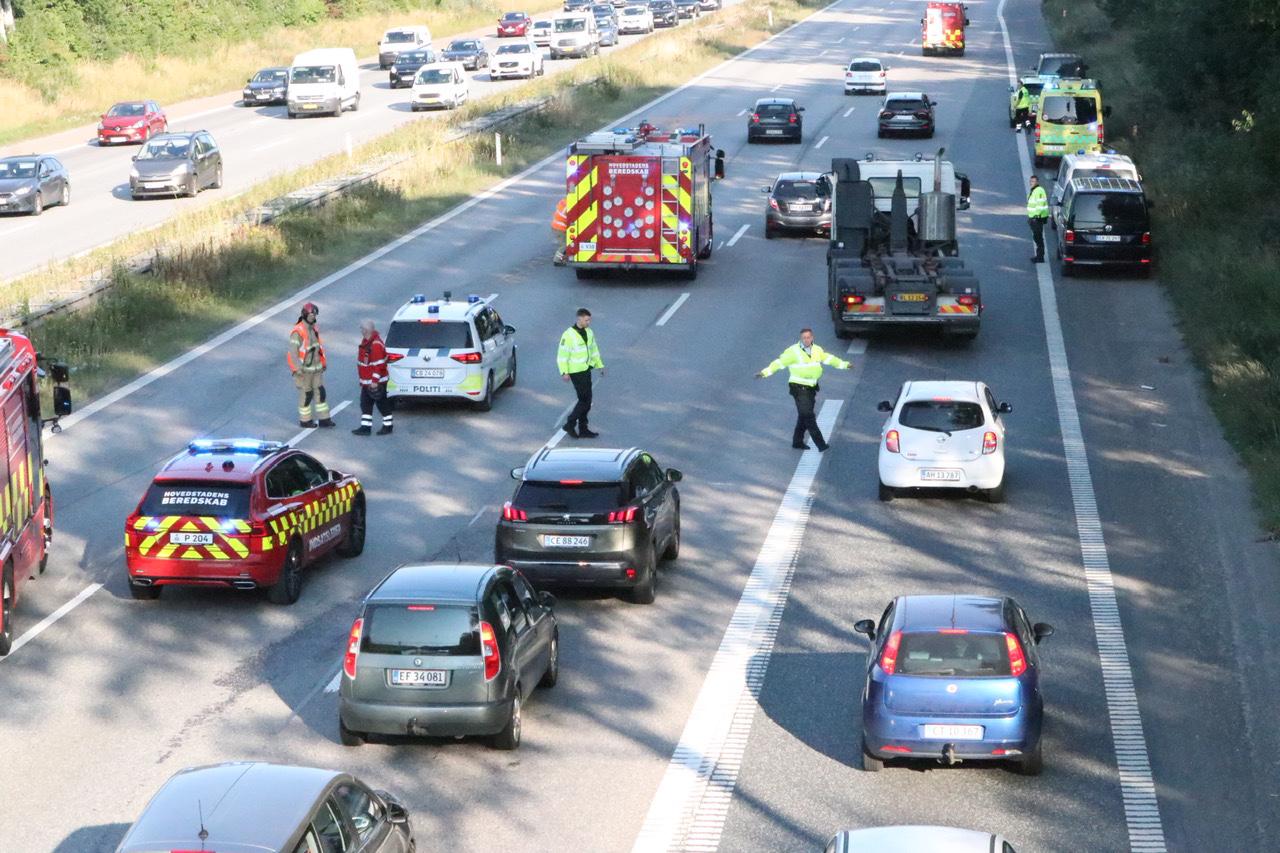 Motorcyklist i ulykke på Amagermotorvejen