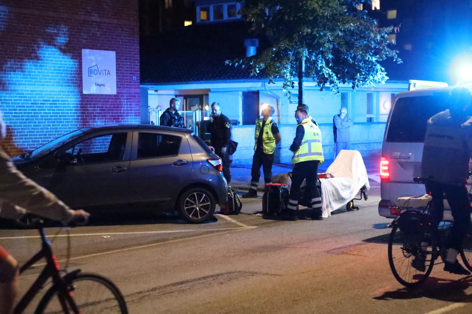 Muligt knivstikkeri på Amager - ambulance på stedet