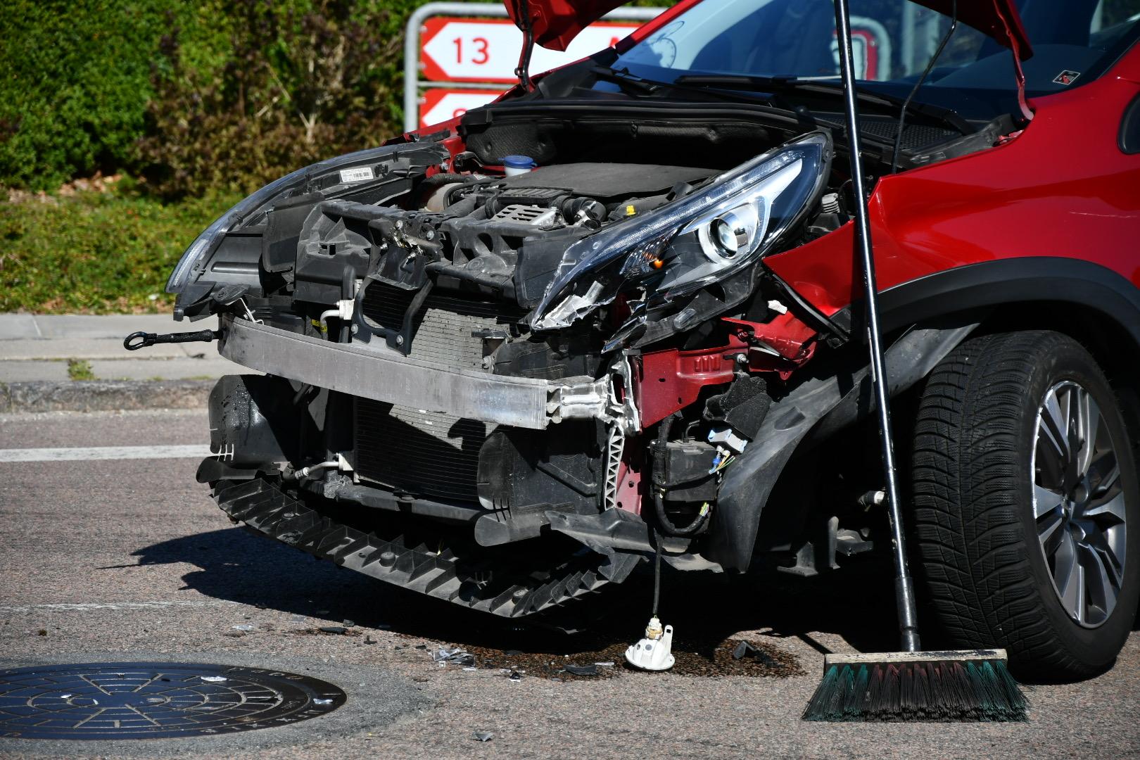 """Kvik test"" bil i voldsomt uheld i Glamsbjerg"
