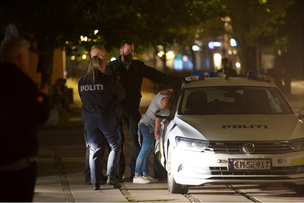 Flere anholdte i Vejle efter slagsmål og uorden