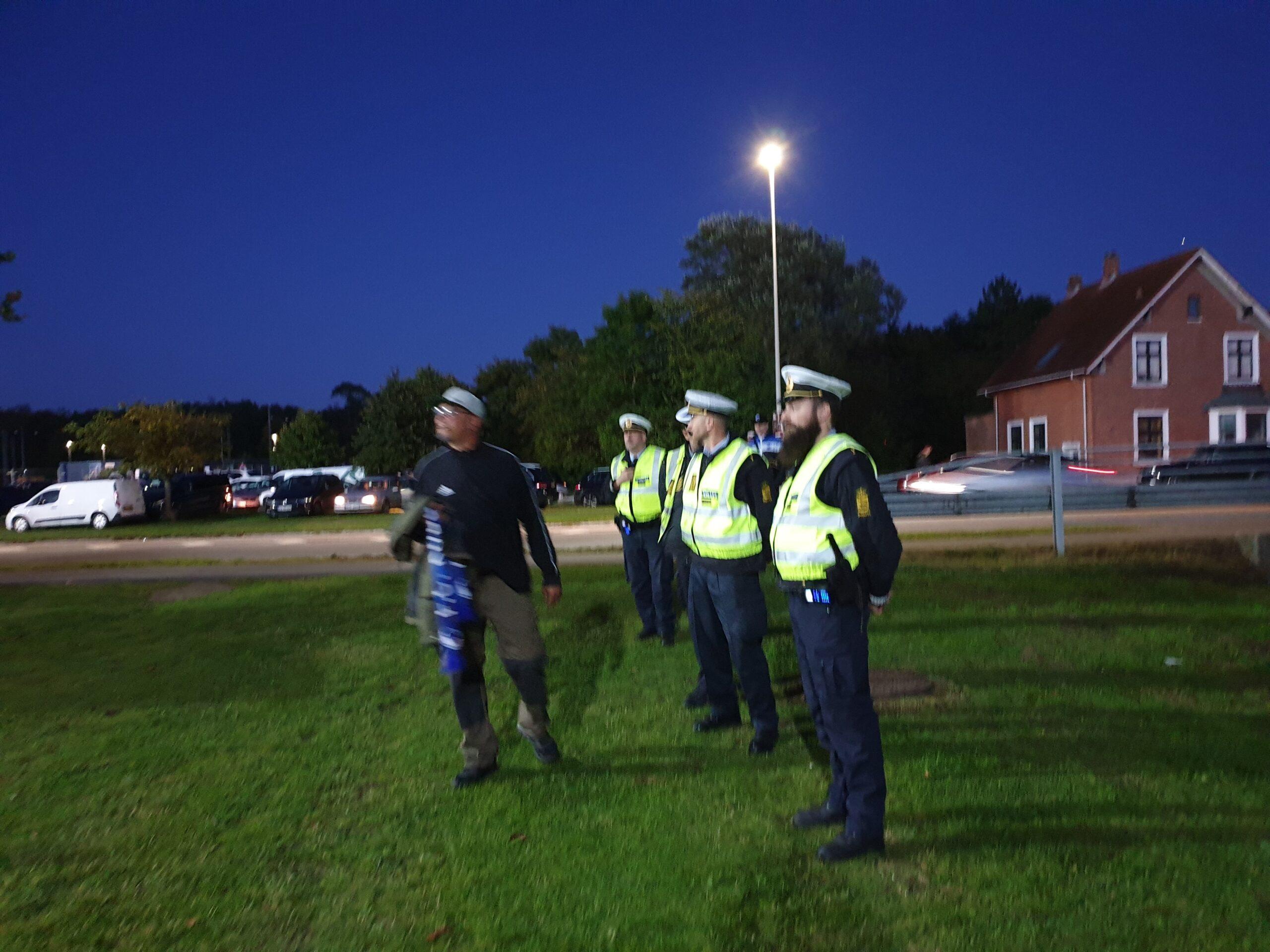 Politiet talstærkt til stede ved kampen mellem NFC - FCK