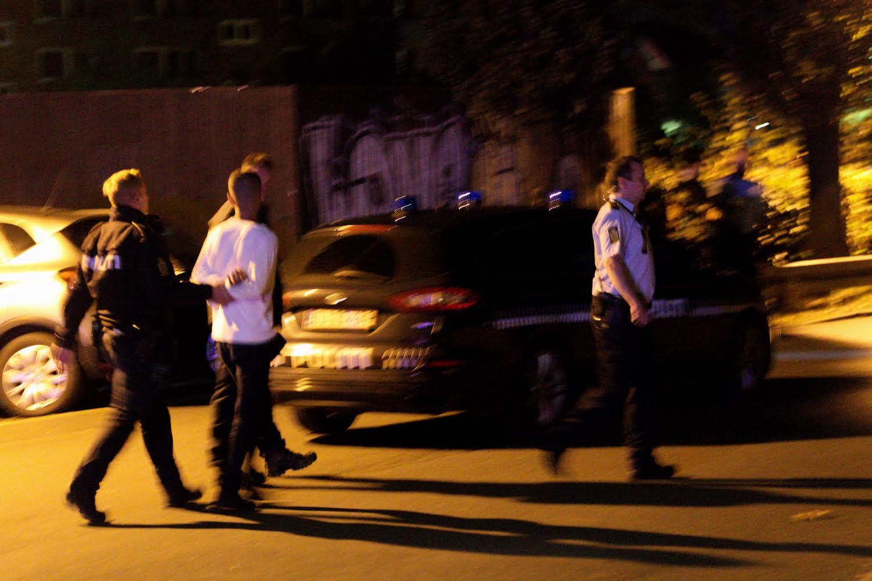 10 betjente måtte lægge en dæmper på slåskamp i Kolding - flere anholdte