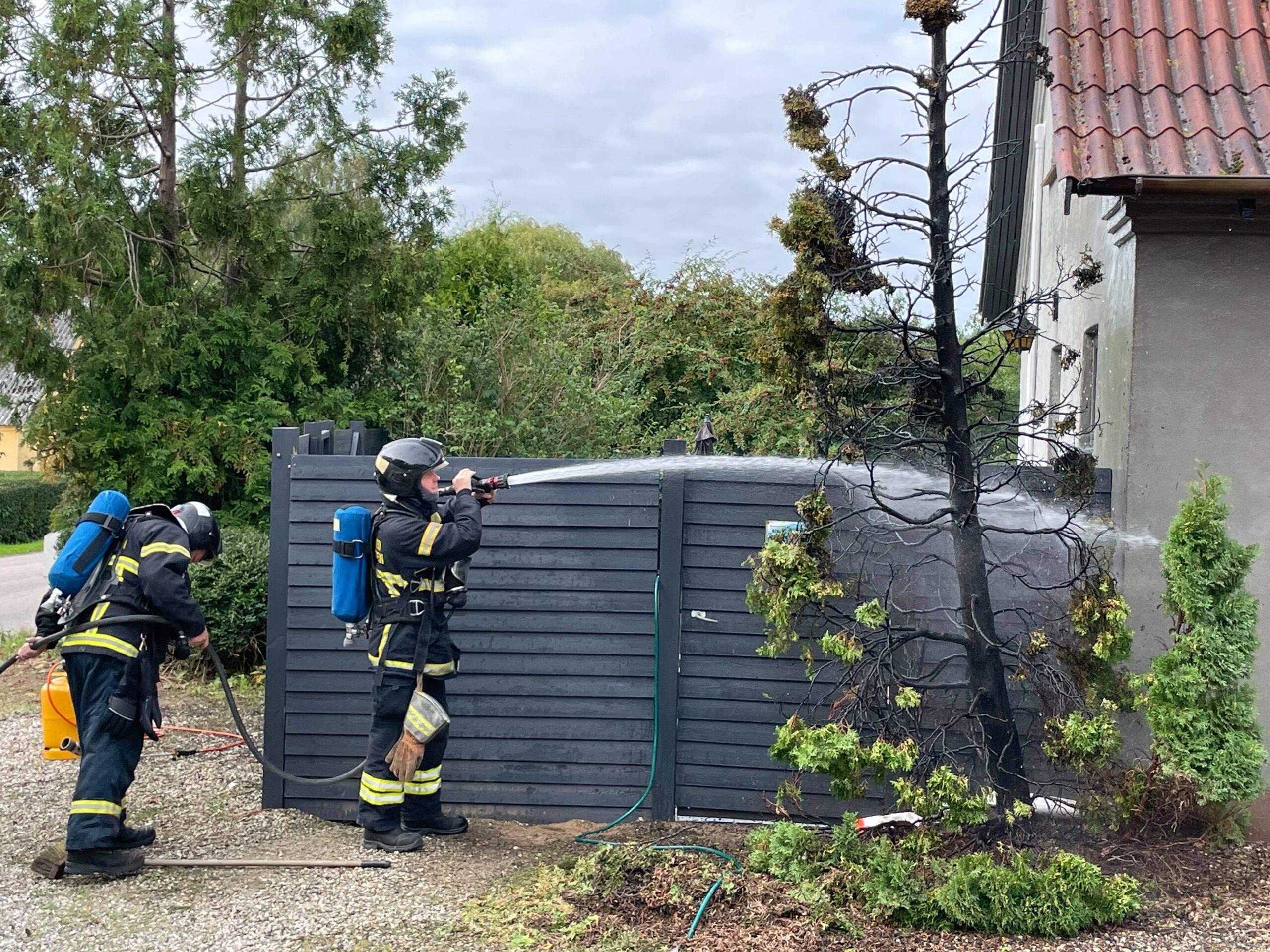 Brand ved villa - startet af ukrudtsbrænder